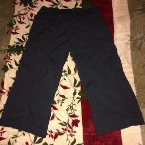Lululemon woman's cropped pants